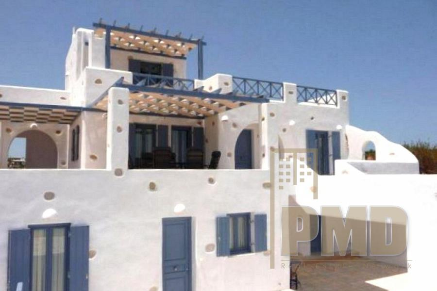 Villa for rent in Paros. real estate in Greece.