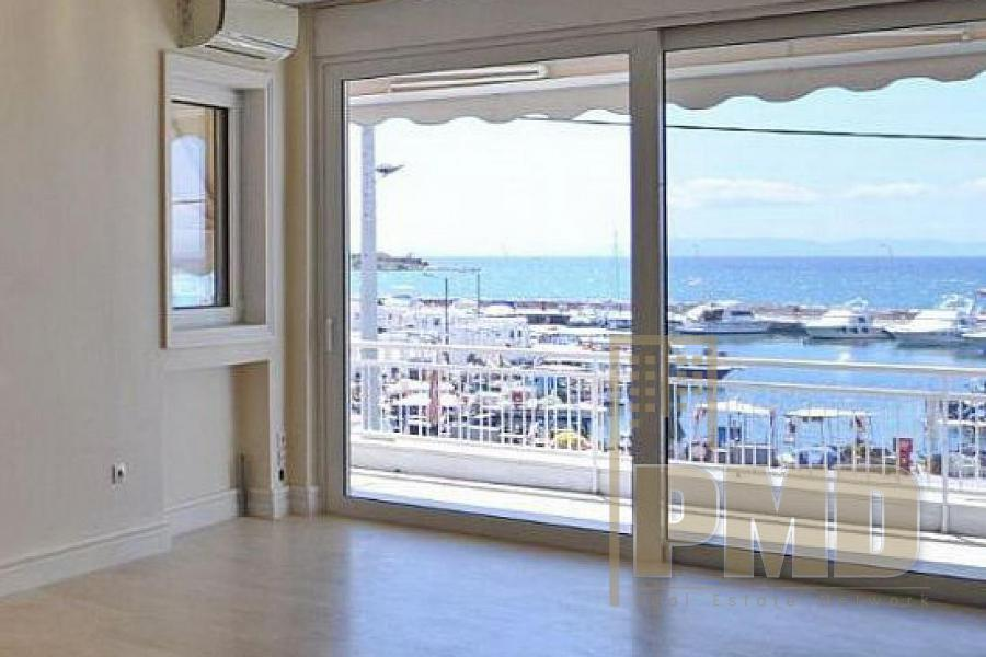 Seaside apartment for rent in Glyfada, Athens riviera, Greece.
