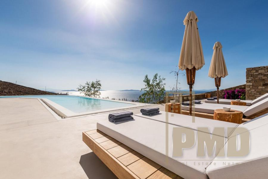 Luxury Villa for rent in Mykonos.