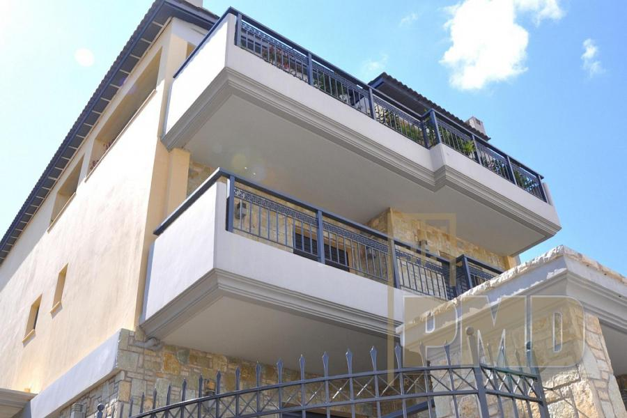 House for sale in Glyfada. Real estate in Greece.